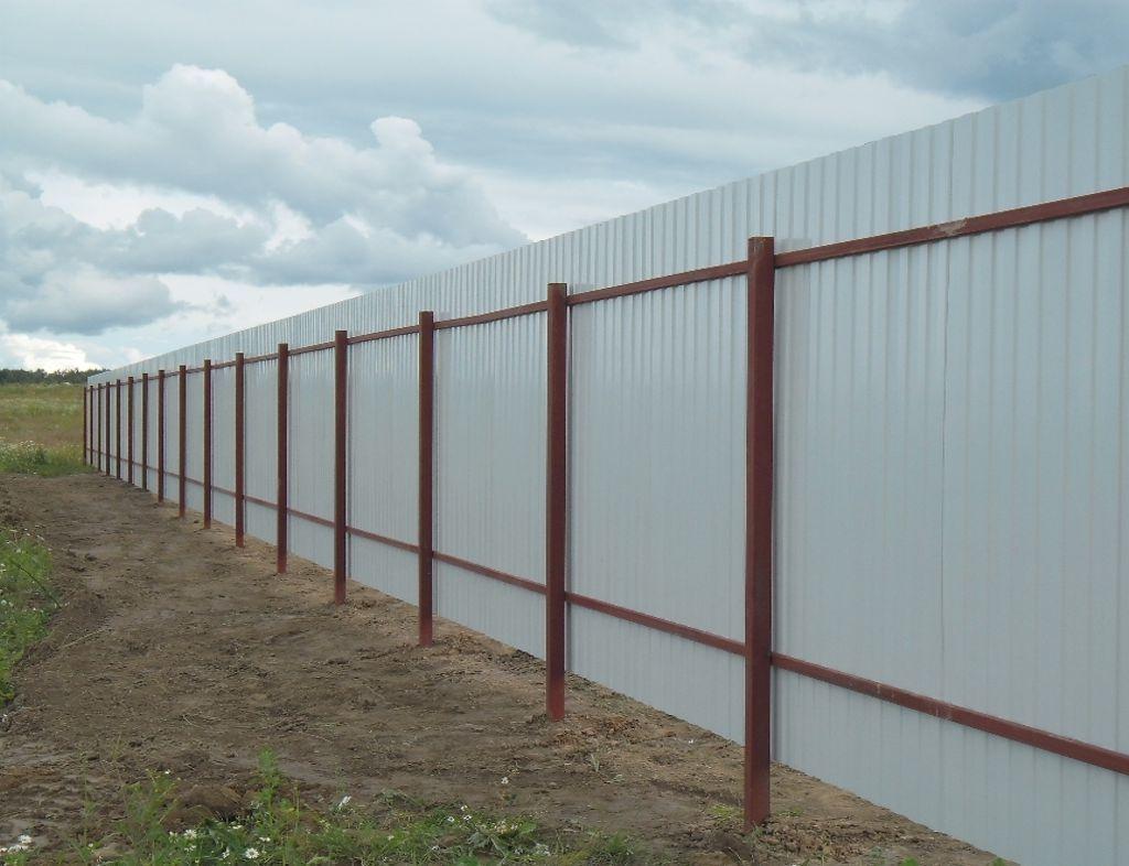 Забор из профлиста с 1 стороны