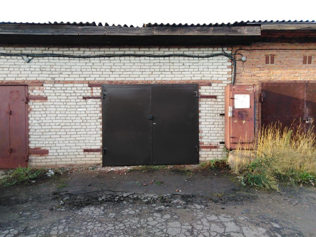 Ворота распашные гаражные