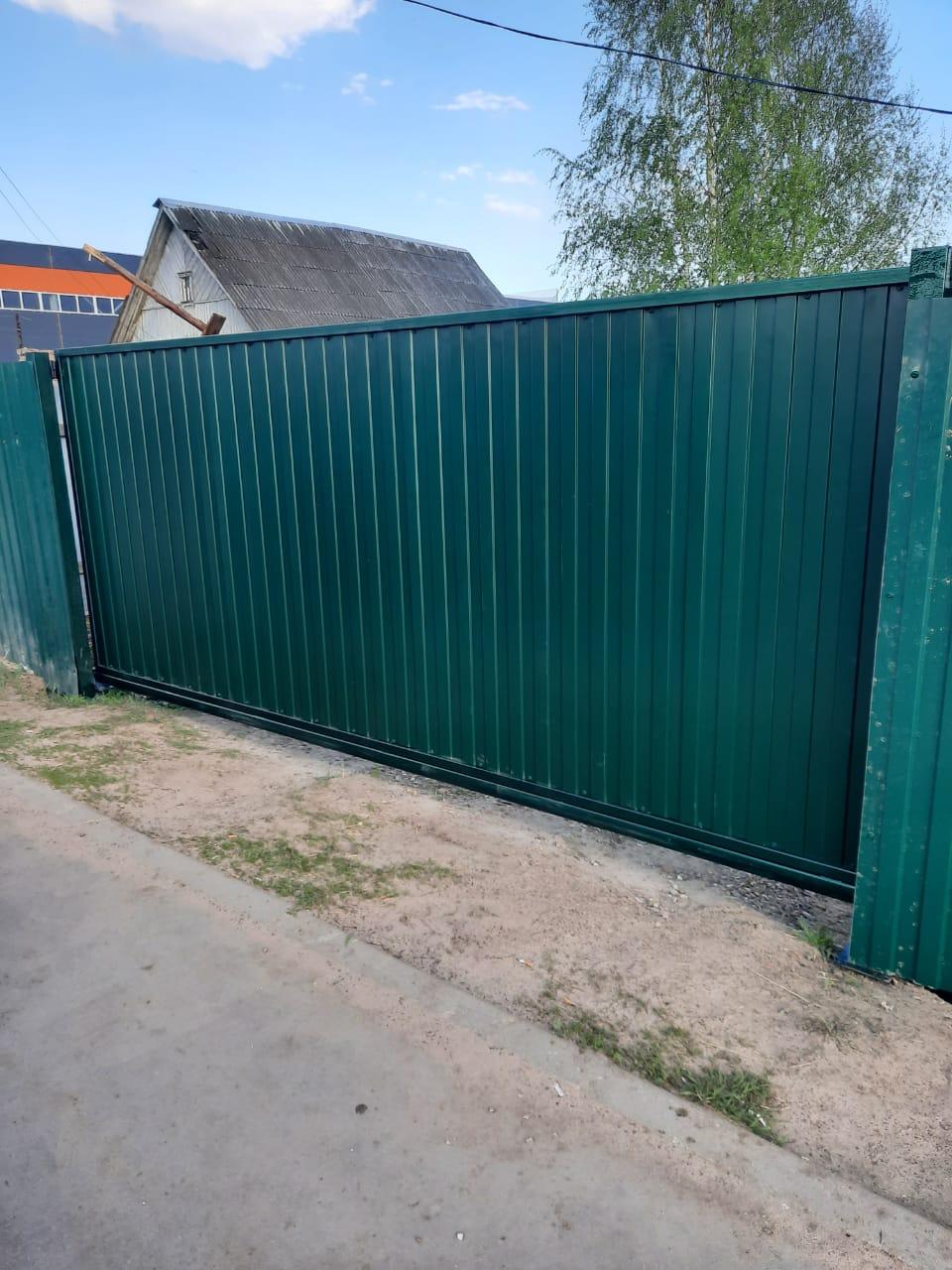 откатные ворота зеленые