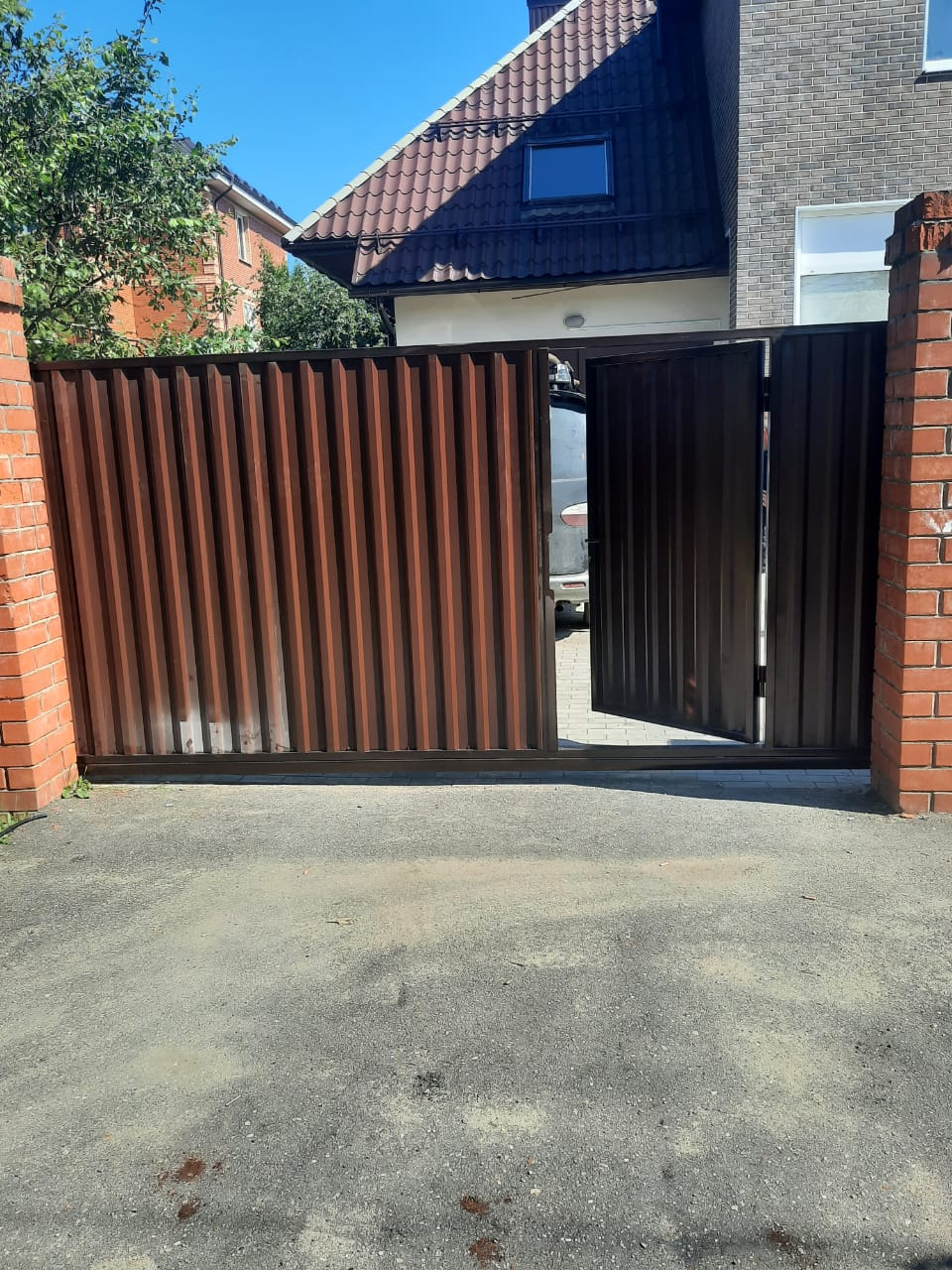 Откатные ворота №13 со встроенной калиткой